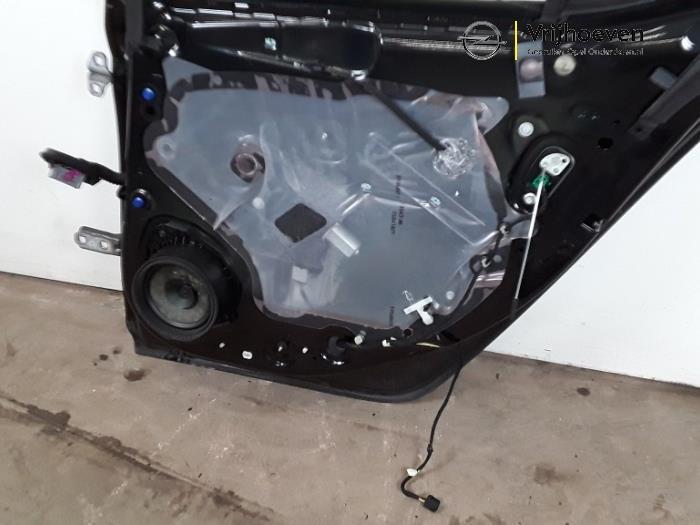 Rear door 4-door, right from a Opel Astra K 1.0 SIDI Turbo 12V 2016