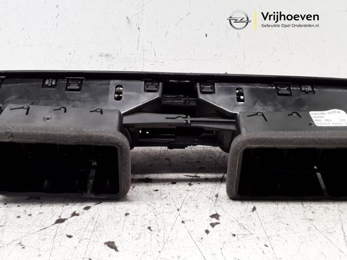 Dashboard vent from a Opel Corsa E 1.4 16V 2019