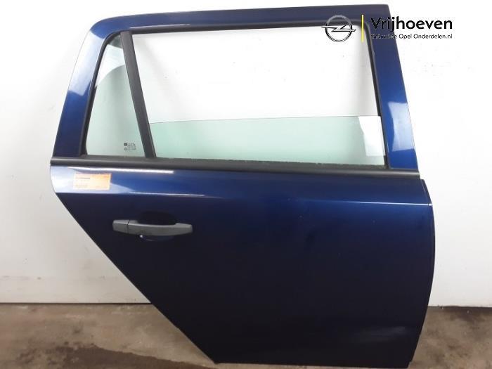 Tür 4-türig rechts hinten van een Opel Astra H SW (L35) 1.6 16V Twinport 2005
