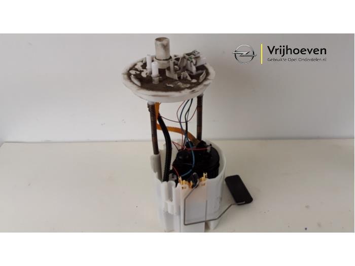 Electric fuel pump from a Opel Astra J (PC6/PD6/PE6/PF6) 1.4 Turbo 16V ecoFLEX 140 2015