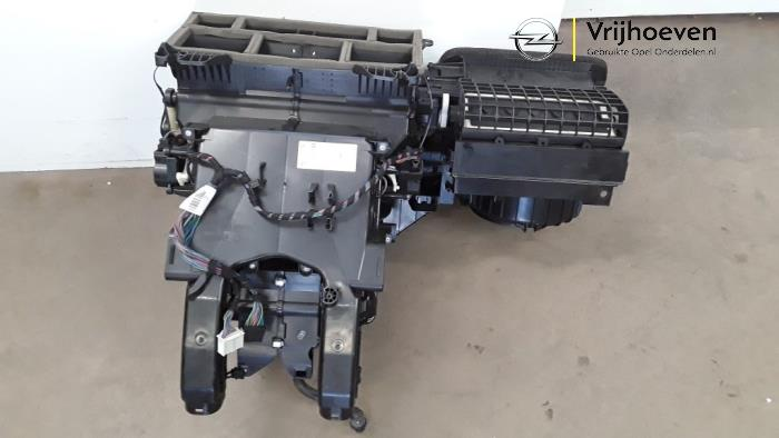 Nagrzewnica z Opel Astra J Sports Tourer (PD8/PE8/PF8) 1.4 Turbo 16V 2011