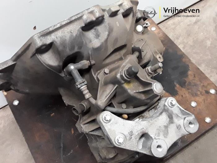 Transmission & Drivetrain Motors 2015 VAUXHALL CORSA E ADAM 1.2 ...