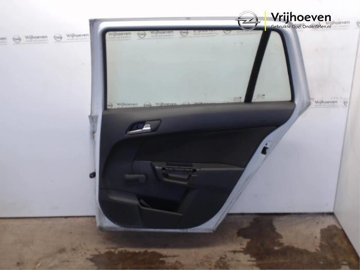 Tür 4-türig rechts hinten van een Opel Astra H SW (L35) 1.9 CDTi 100 2007