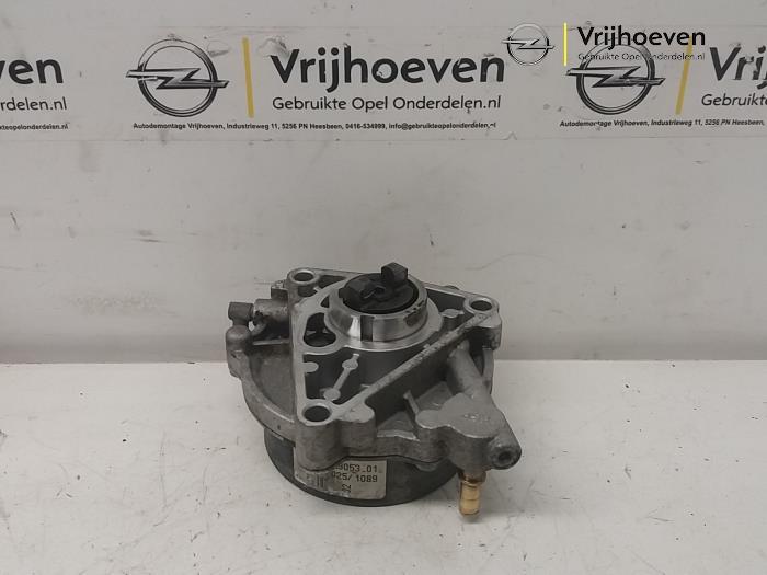 Pompe à vide (diesel) d'un Opel Astra H (L48) 1.9 CDTi 120 2008
