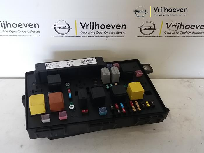 Fuse Box In Astra 2006 : Used opel astra h l v twinport fuse box