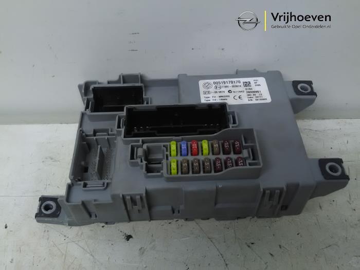 fuse box from a opel combo 1 3 cdti 16v ecoflex 2012