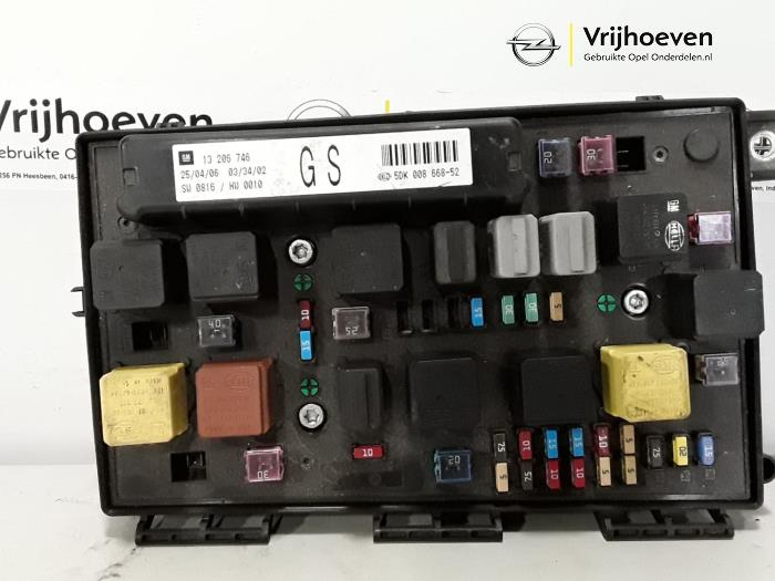 used opel astra h sw l35 1 9 cdti 16v 150 fuse box. Black Bedroom Furniture Sets. Home Design Ideas