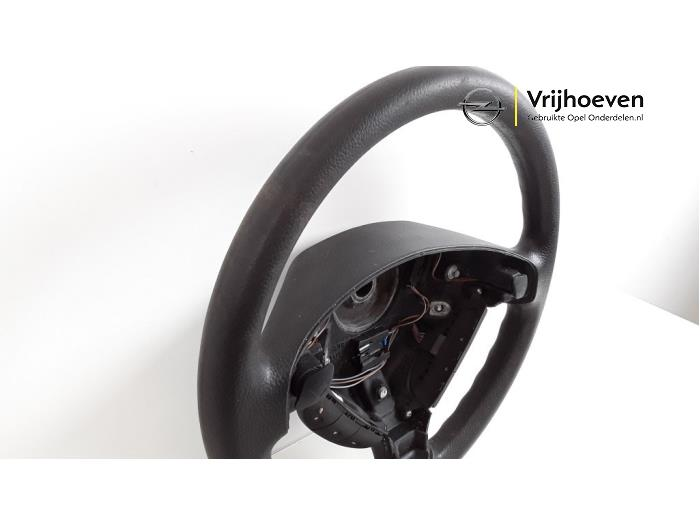 Steering wheel from a Opel Astra G (F08/48) 1.4 16V LPG 2000