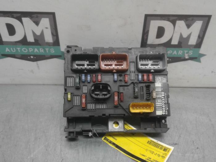 peugeot 307 cc fuse box