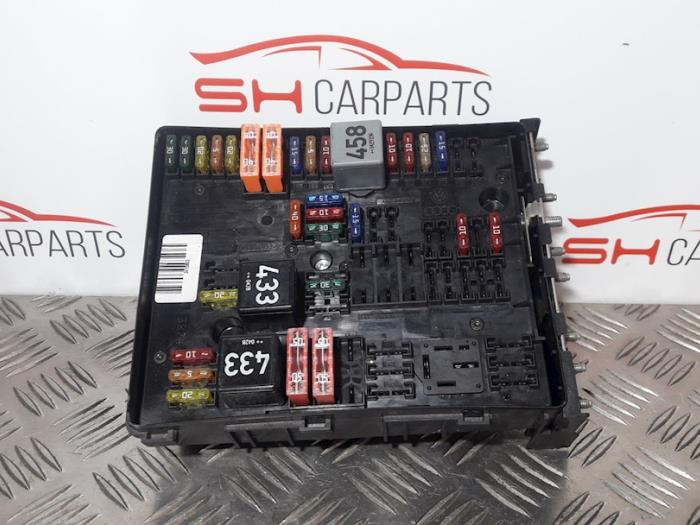 audi a 3 fuse box used audi a3 sportback  8pa ps  2 0 fsi 16v fuse box 01394932  used audi a3 sportback  8pa ps  2 0 fsi