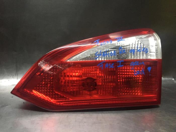 Feu arrière droit d'un Ford Focus III 1.6 EcoBoost 16V 150 2011