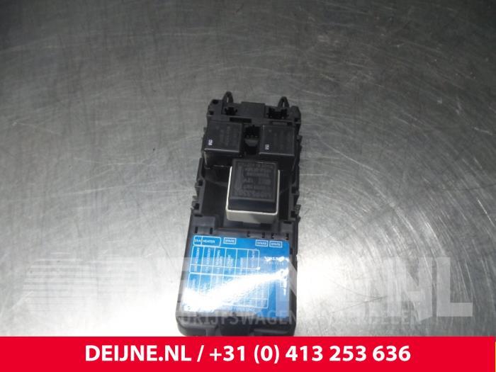 [DIAGRAM_5FD]  Used Volvo V40 (VW) 1.8 16V Fuse box - 30807016 - van Deijne Onderdelen  Uden B.V. | ProxyParts.com | Volvo V40 1998 Fuse Box |  | ProxyParts.com