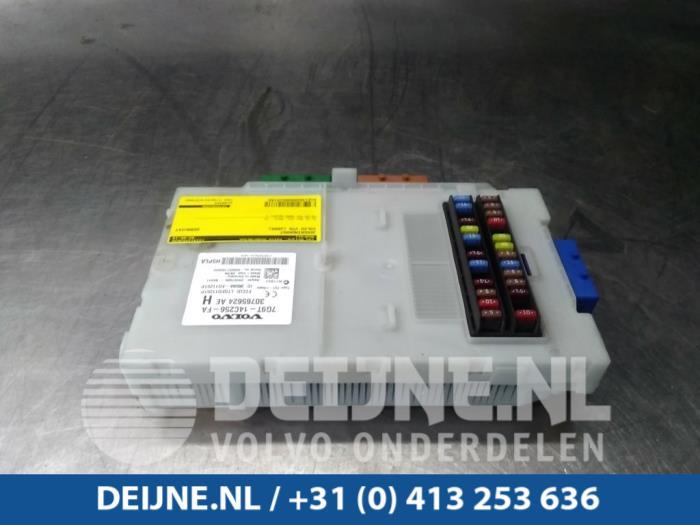 2009 volvo fuse box used volvo v70 fuse box 30765624ae van deijne  volvo  used volvo v70 fuse box 30765624ae