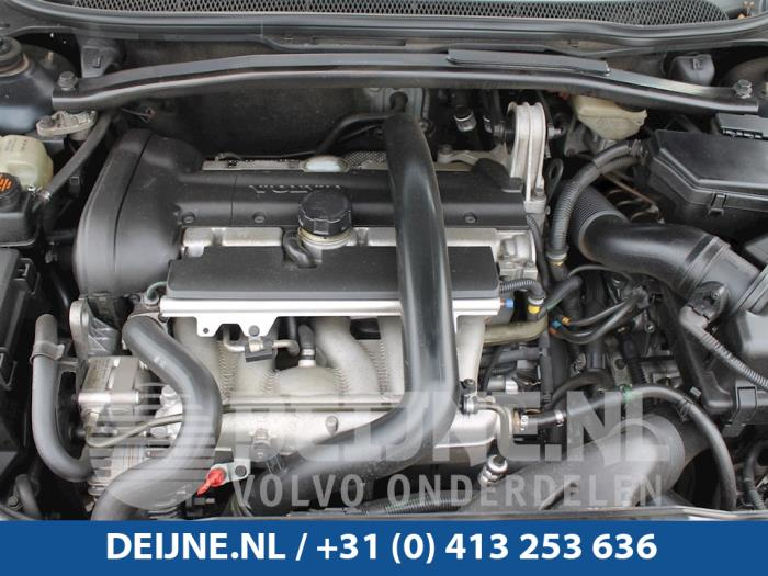 Engine from a Volvo V70 (SW) 2.4 T 20V AWD 2002