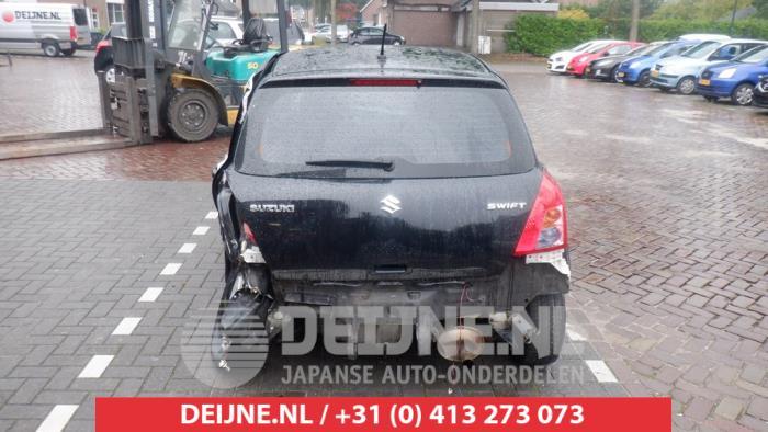 Suzuki Swift 1.3 VVT 16V Vehículo de desguace (2008, Negro)
