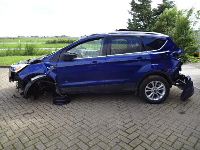 Ford Kuga Salvage Year Of Construction  Colour Blue Proxyparts Com