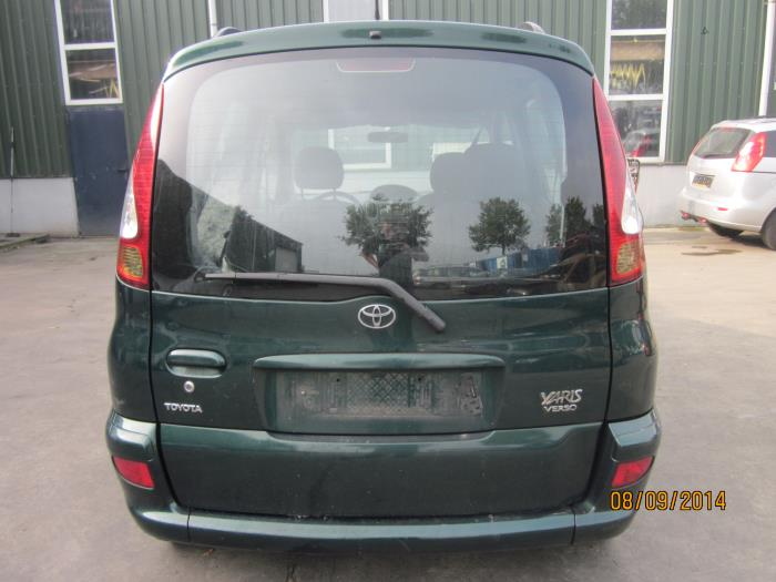 Toyota Yaris Verso (P2) 1 4 D-4D (salvage, year of