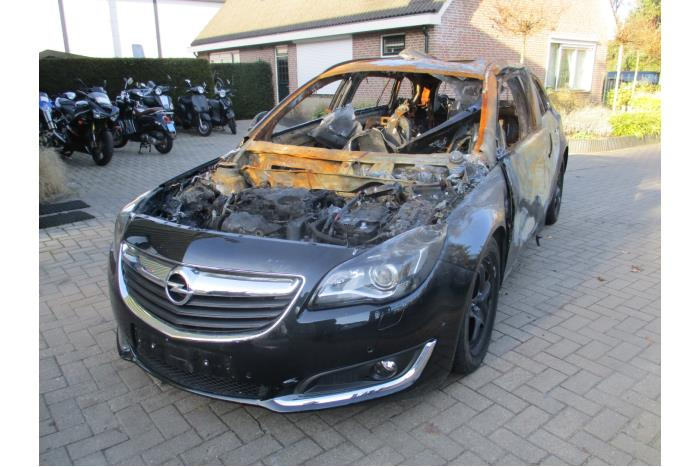 opel insignia sports tourer 2 0 cdti 16v salvage year of construction 2015 colour black. Black Bedroom Furniture Sets. Home Design Ideas
