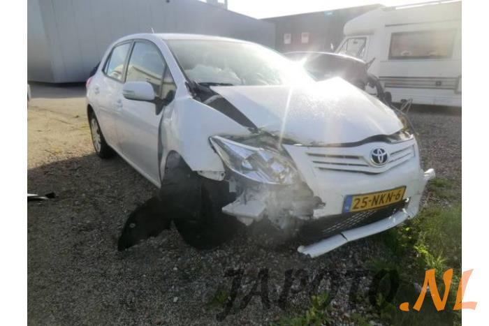 Toyota Auris (E15) 1 6 Dual VVT-i 16V (salvage, year of