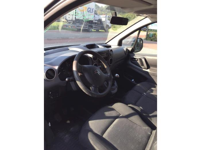 Citroen Berlingo 1.6 Hdi 16V 90 Schrottauto (2012, Silbergrau)