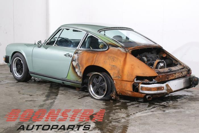 Porsche 911 2 7 (salvage, year of construction 1974, colour