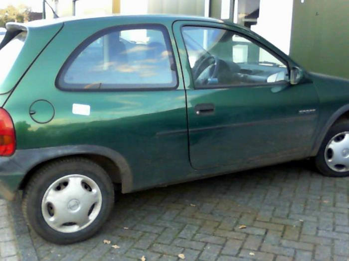 opel corsa b 73 78 79 salvage year of construction 1997 colour green. Black Bedroom Furniture Sets. Home Design Ideas
