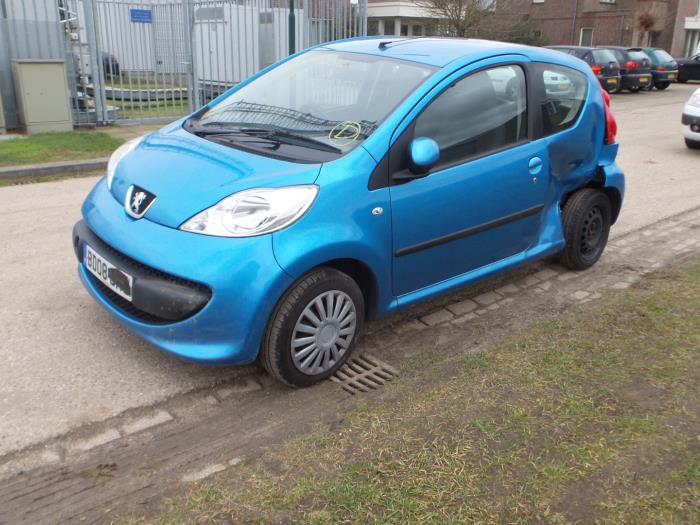 Peugeot 107 1.0 12V (salvage, year of construction 2009, colour Blue
