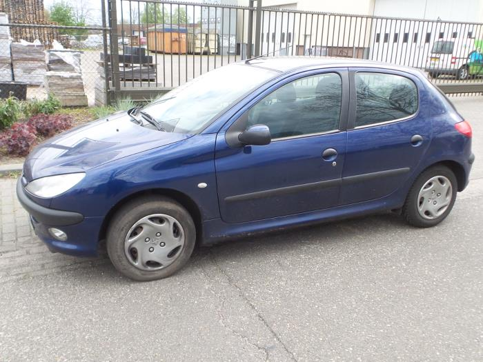 peugeot 206 2a c h j s 1 4 xr xs xt gentry salvage year of construction 1999 colour blue. Black Bedroom Furniture Sets. Home Design Ideas