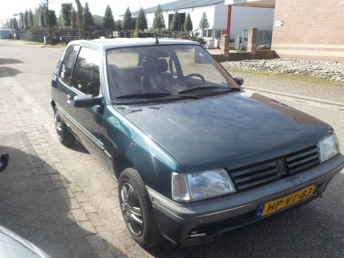 peugeot 205 ii 20a c 1 1 xe ge xl gl xr gr salvage year of construction 1994 colour green. Black Bedroom Furniture Sets. Home Design Ideas