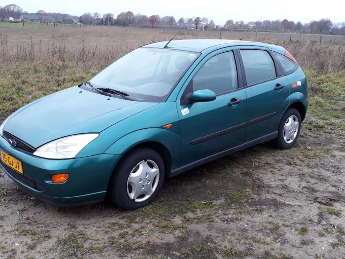 Ford Focus I 1 8 Tddi Salvage Year Of Construction 2000 Colour