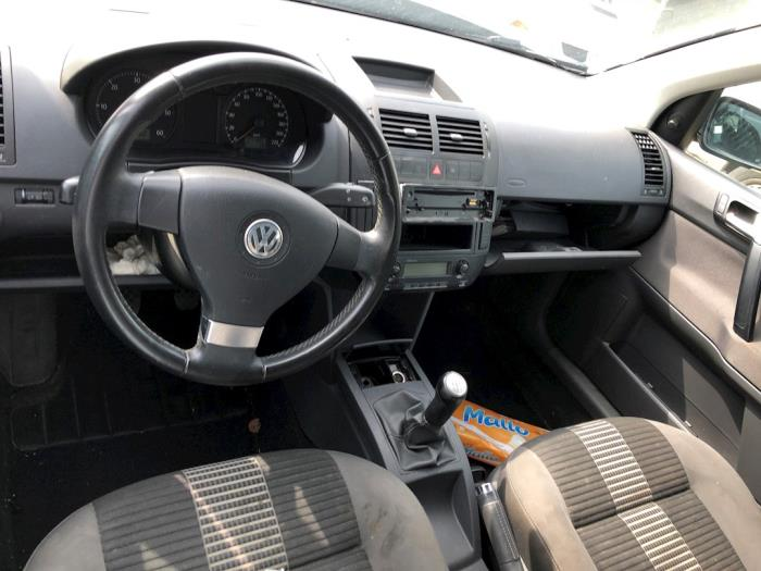 Volkswagen Polo (9N1/2/3) 1 4 TDI 70 (salvage, year of construction