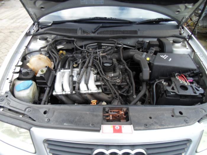Audi A3  8l  1 8 20v  Schrott  Baujahr 2001  Farbe Grau