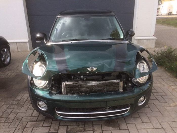 Mini Mini Clubman R55 16 Cooper D Salvage Year Of Construction