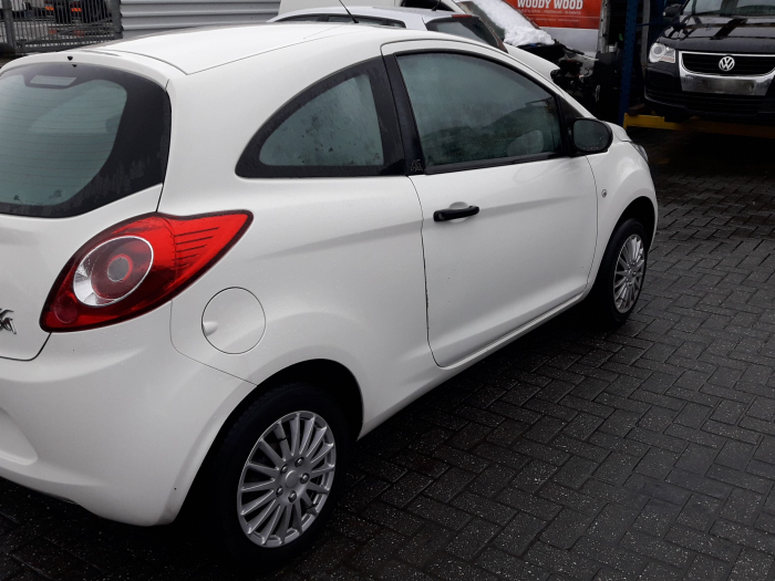 ford ka ii 1 2 salvage year of construction 2011 colour white. Black Bedroom Furniture Sets. Home Design Ideas
