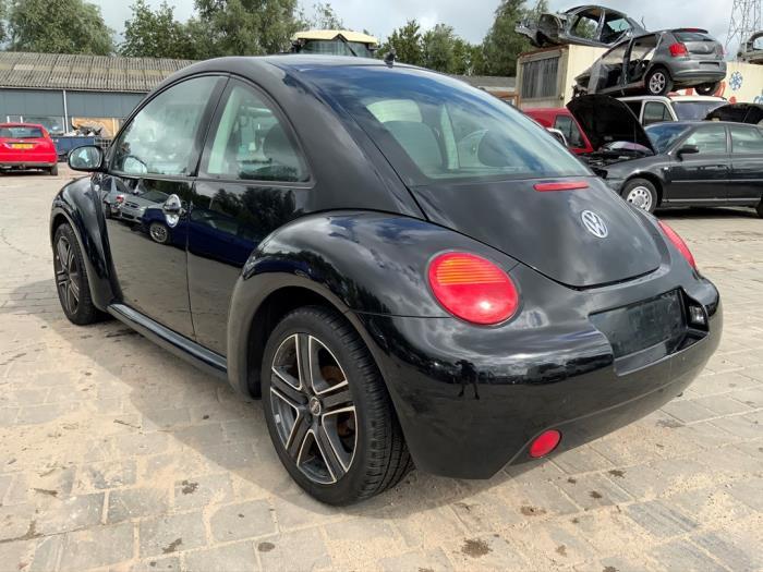 Volkswagen New Beetle 1.6 Damaged vehicle (2003, Black)